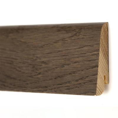 Плинтус из массива сосны со шпоном дуба